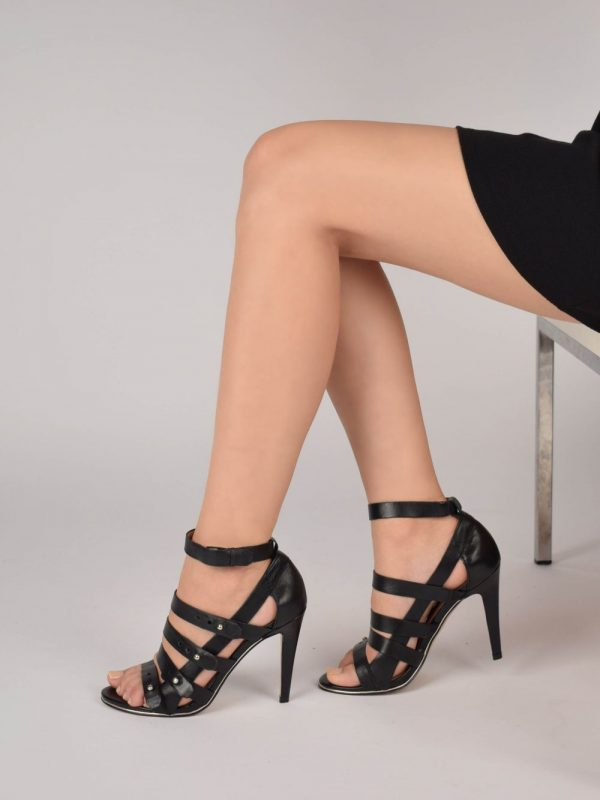 Sandale cu toc FRENCH CONNECTION (#5589) - SASSY STATION Fashion Marketplace - vinde și cumpără haine, pantofi, genti, accesorii pentru femei