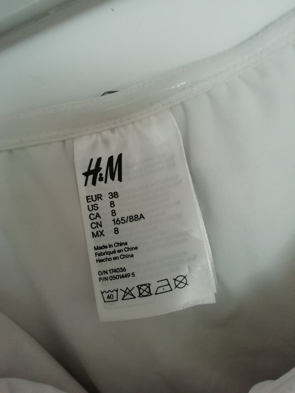 Costum de baie H&M (#14950) - SASSY STATION Fashion Marketplace - vinde și cumpără haine, pantofi, genti, accesorii pentru femei