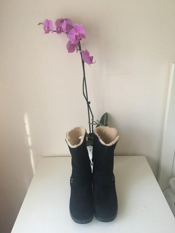 Ghete / botine UGG (#15535) - SASSY STATION Fashion Marketplace - vinde și cumpără haine, pantofi, genti, accesorii pentru femei