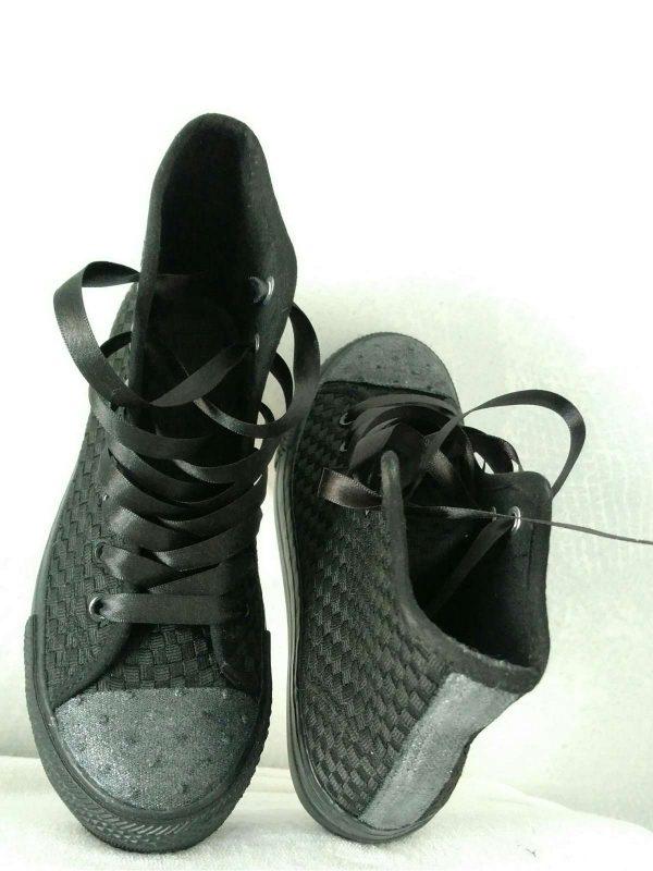 Pantofi sport BELLA COMODA (#16415) - SASSY STATION Fashion Marketplace - vinde și cumpără haine, pantofi, genti, accesorii pentru femei