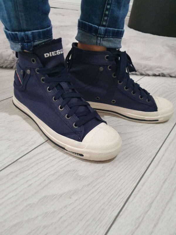 Pantofi sport DIESEL (#16655) - SASSY STATION Fashion Marketplace - vinde și cumpără haine, pantofi, genti, accesorii pentru femei