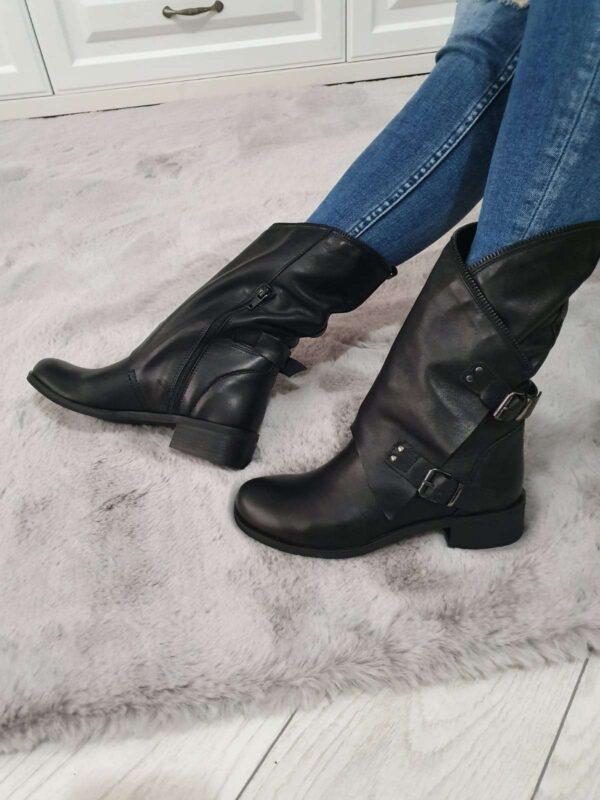 Cizme PRIMADONNA COLLECTION (#16656) - SASSY STATION Fashion Marketplace - vinde și cumpără haine, pantofi, genti, accesorii pentru femei