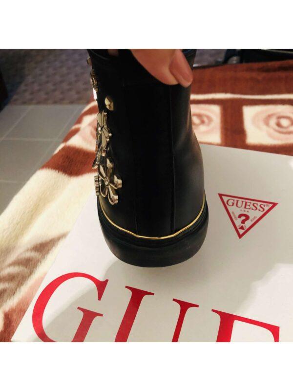 Pantofi sport GUESS (#16693) - SASSY STATION Fashion Marketplace - vinde și cumpără haine, pantofi, genti, accesorii pentru femei