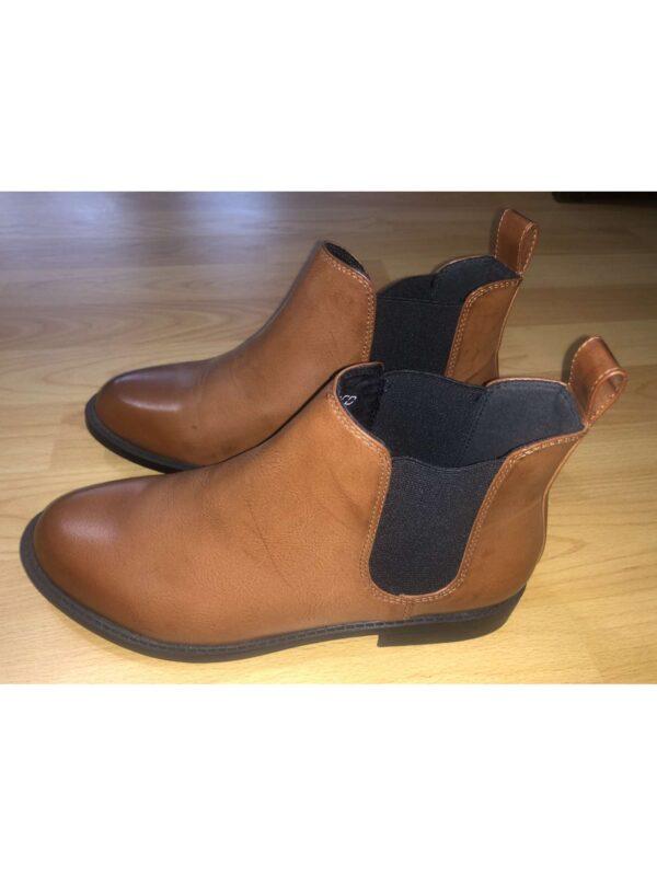 Ghete / botine H&M (#16798) - SASSY STATION Fashion Marketplace - vinde și cumpără haine, pantofi, genti, accesorii pentru femei