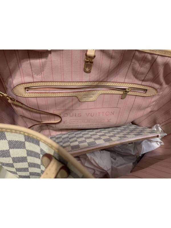 Geanta de umar LOUIS VUITTON (#16807) - SASSY STATION Fashion Marketplace - vinde și cumpără haine, pantofi, genti, accesorii pentru femei