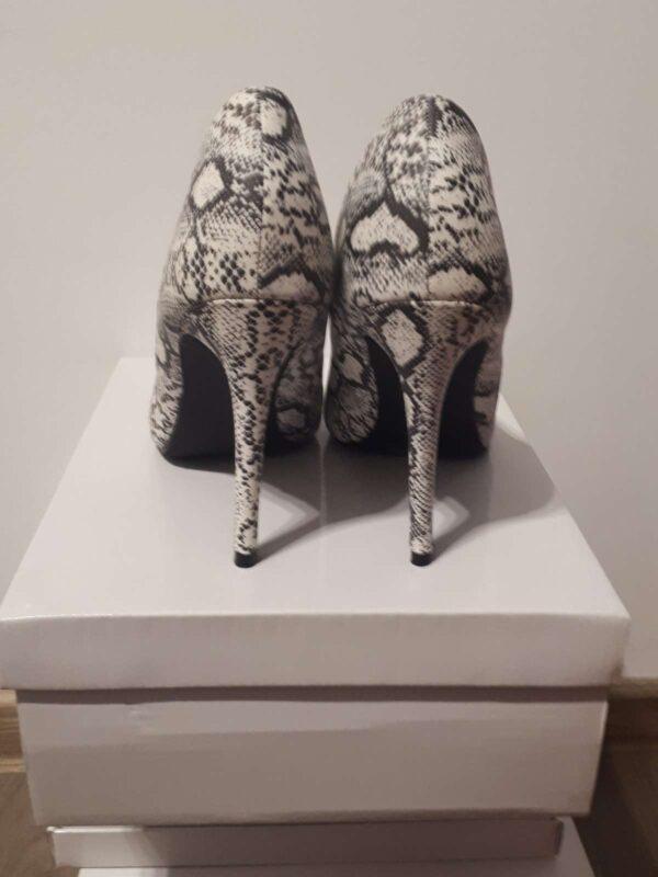 Pantofi cu toc GIVANA (#16811) - SASSY STATION Fashion Marketplace - vinde și cumpără haine, pantofi, genti, accesorii pentru femei