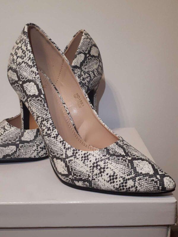 Pantofi cu toc GIVANA (#16812) - SASSY STATION Fashion Marketplace - vinde și cumpără haine, pantofi, genti, accesorii pentru femei