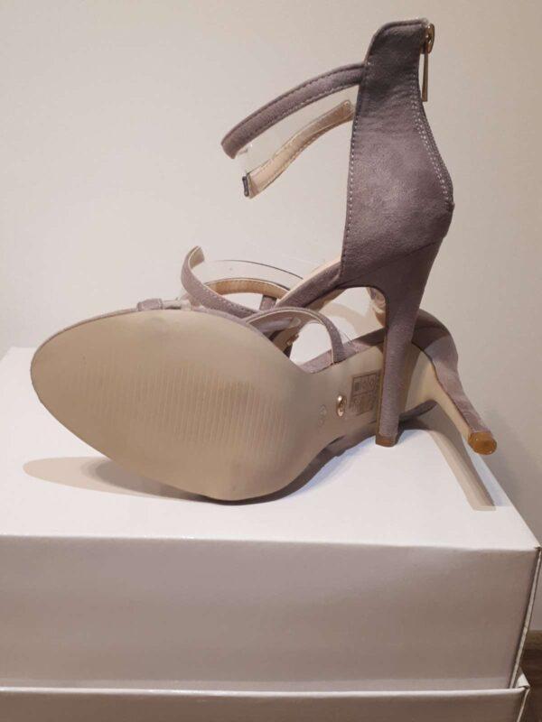 Sandale cu toc IDEAL SHOES (#16815) - SASSY STATION Fashion Marketplace - vinde și cumpără haine, pantofi, genti, accesorii pentru femei