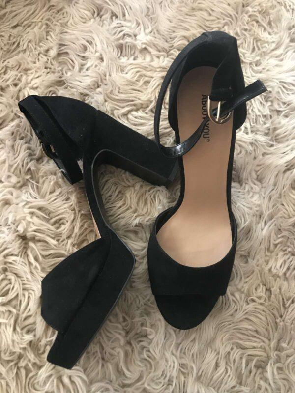 Sandale cu toc ABOUT YOU (#16840) - SASSY STATION Fashion Marketplace - vinde și cumpără haine, pantofi, genti, accesorii pentru femei