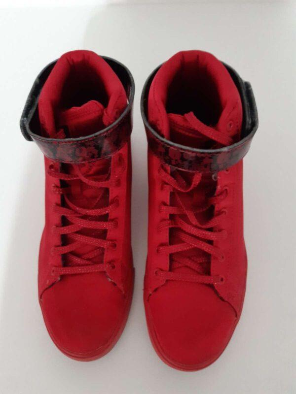 Pantofi sport ADIDAS (#17232) - SASSY STATION Fashion Marketplace - vinde și cumpără haine, pantofi, genti, accesorii pentru femei
