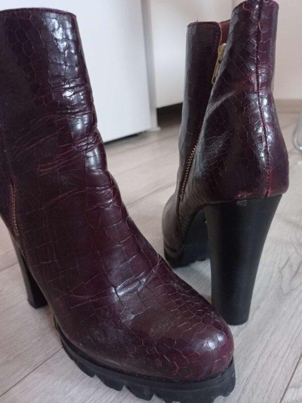 Ghete / botine BUFFALO LONDON (#17336) - SASSY STATION Fashion Marketplace - vinde și cumpără haine, pantofi, genti, accesorii pentru femei