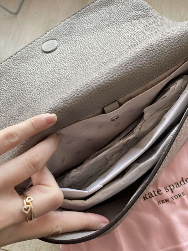 Geanta de umar KATE SPADE (#17371) - SASSY STATION Fashion Marketplace - vinde și cumpără haine, pantofi, genti, accesorii pentru femei