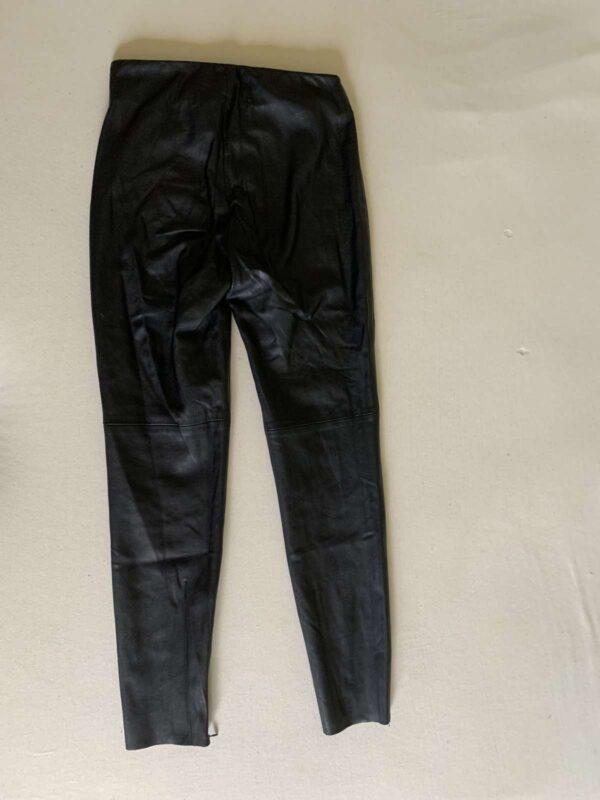 Pantaloni ZARA (#17381) - SASSY STATION Fashion Marketplace - vinde și cumpără haine, pantofi, genti, accesorii pentru femei