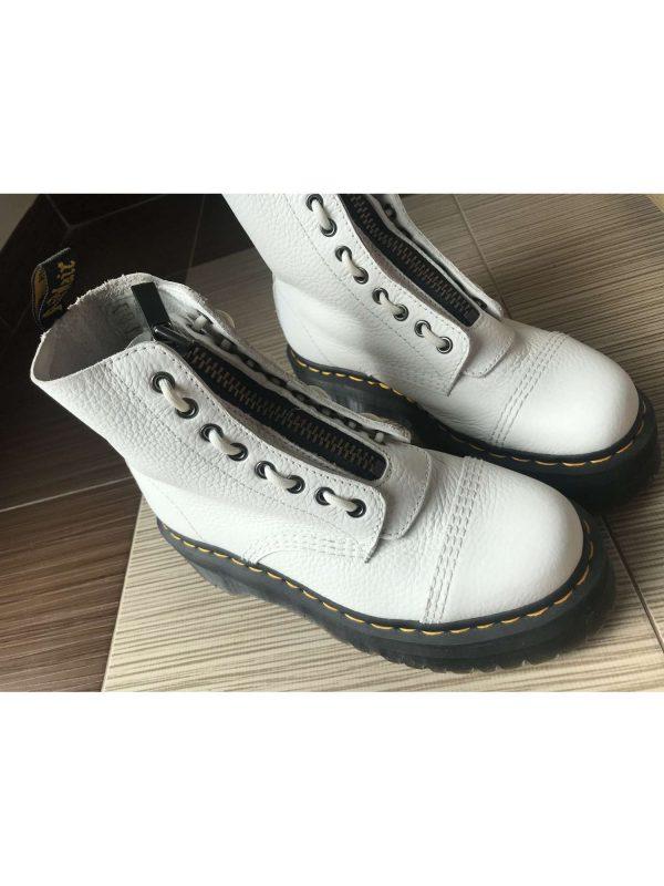 Ghete / botine DR. MARTENS (#17590) - SASSY STATION Fashion Marketplace - vinde și cumpără haine, pantofi, genti, accesorii pentru femei